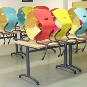 M372 TABLES ISSY & M313 CHAISES TRIANGOLO - CHATEAU GONTIER (53)