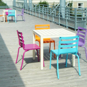 M395 CHAISES & TABLES PATIO - FONTENAY LE COMTE (85)