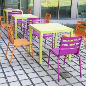 M395 CHAISES & TABLES PATIO - CLISSON (44)